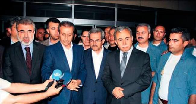 Bakanlar, bıçaklanan AK Parti adayını ziyaret etti