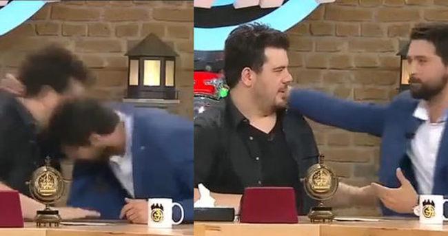 Onur Tuna canlı yayında Eser Yenenler'e kafa attı