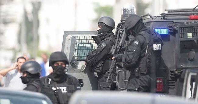 Tunus'ta kışlada silahlı saldırı: 5 asker öldü