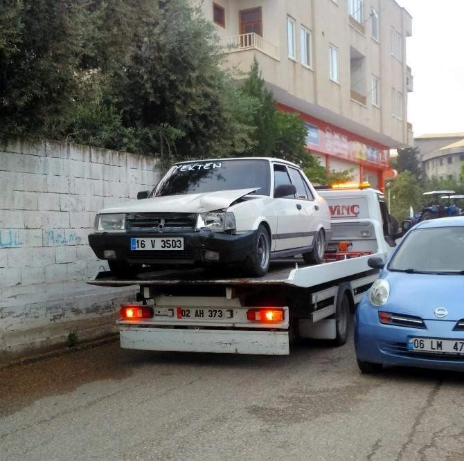 Adıyaman'da Polisin İkazına Uymayan Sürücü Duvara Çarptı