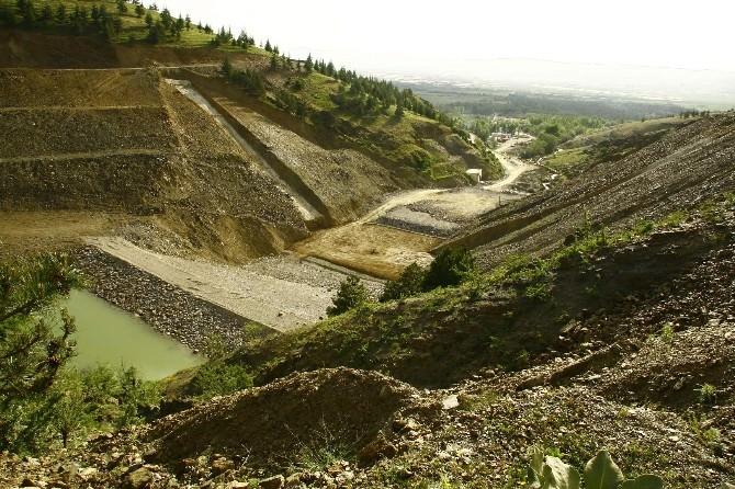 Milletvekili Adayı Özkaldı Yapımı Süren Karamık Barajı'nda İncelemelerde Bulundu
