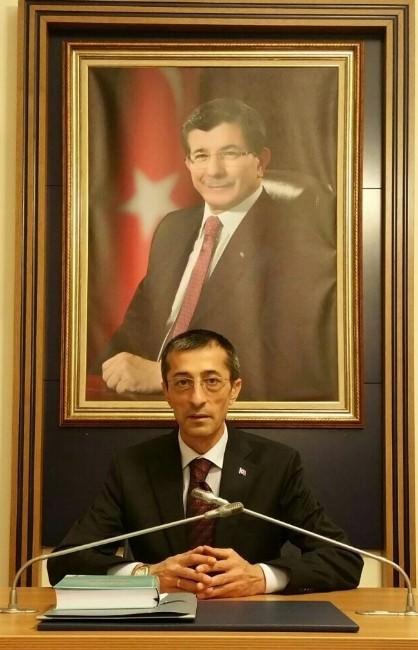 AK Parti İl Başkanı Yeşilyurt'tan CHP'ye Kent Meydanı Tepkisi
