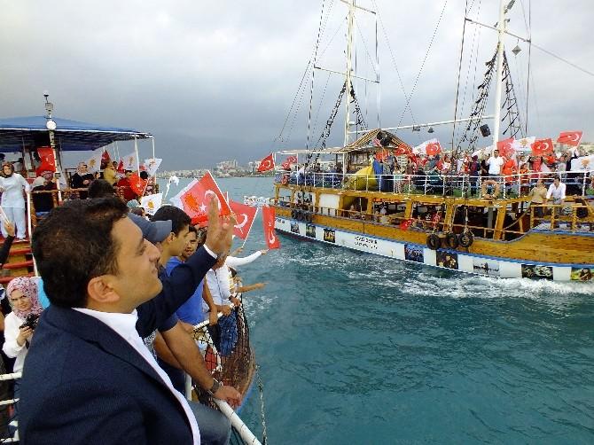 AK Parti'li Aday Gençlere Ve Çocuklara Tekne Turu Düzenledi