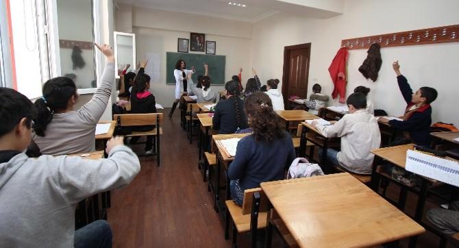 Bayraklı'da Öğrenciler İçin Özel Çalışma