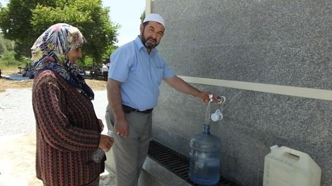 Burhaniyeli Hayırsever 14 Kilometreden Su Getirerek Hayır Yaptı
