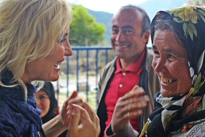 Köylüler CHP Adayı Çalıkuşu'na Dert Yandı