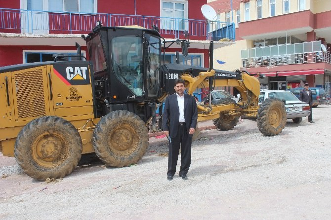 Konya Büyükşehir Belediyesi'nden Derbent'e Greyder Desteği