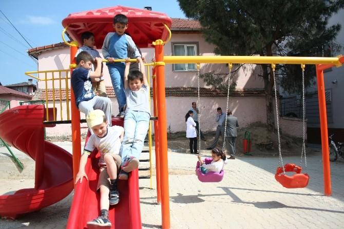 Boyalıca İlkokulu'na Oyun Parkı