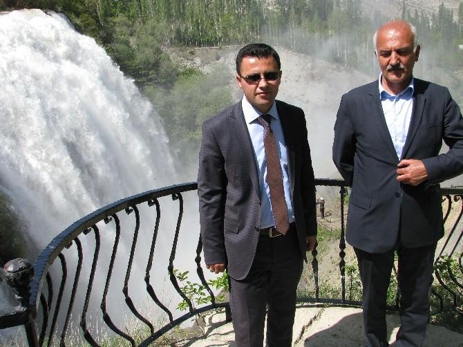 Uzundere Kaymakamı Arslan Ve Belediye Başkanı Özsoy'dan Şelale'ye Davet
