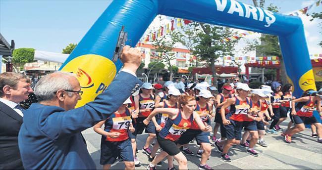 Postacılar Antalya'da yarıştı
