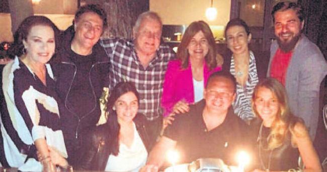 Alkoçlar ailesi kutlama yaptı