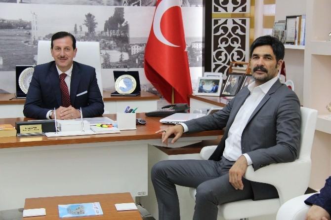 AK Parti İstanbul 3. Bölge Milletvekili Adayı Ve Ünlü Sanatçı Uğur Işılak: