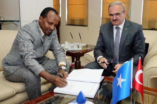 Somali Valisinden Bursa Valisine Ziyaret