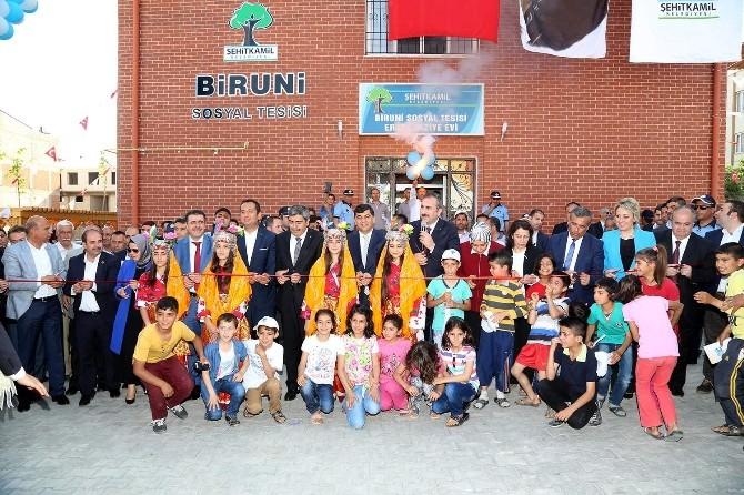 Şehitkamil Belediyesi Biruni Sosyal Tesisi Açıldı