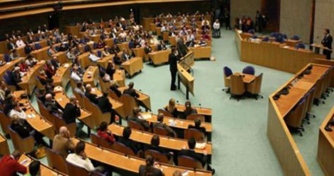 Hollanda'da iktidar senatoda çoğunluğu sağlayamadı