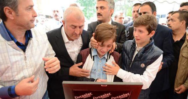 Gürsu Belediye Başkanı Cüneyt Yıldız gözyaşlarıyla uğurlandı