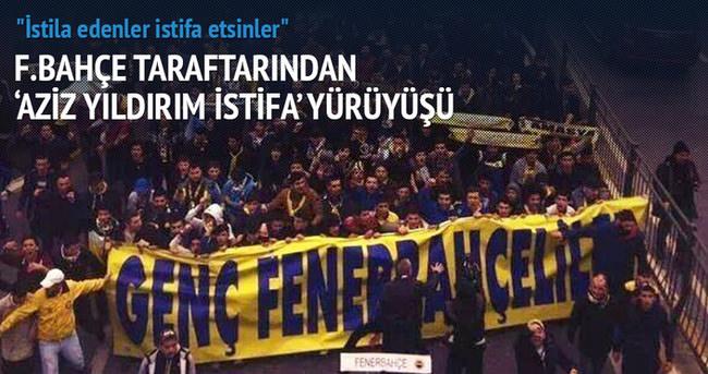 Fenerbahçe taraftarından 'Aziz Yıldırım istifa' yürüyüşü