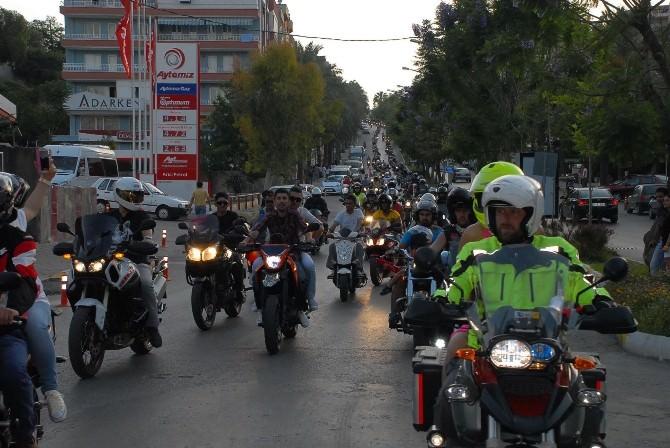 Motosiklet Tutkunları Kuşadası'nda Buluşacak