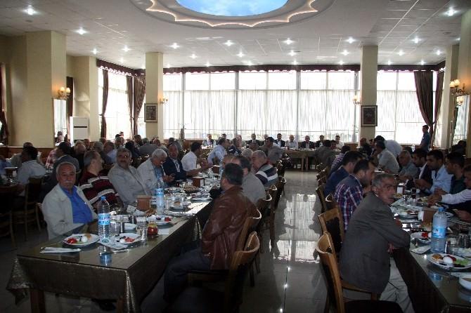 AK Partililer, Muhtarlar İle Bir Araya Geldi
