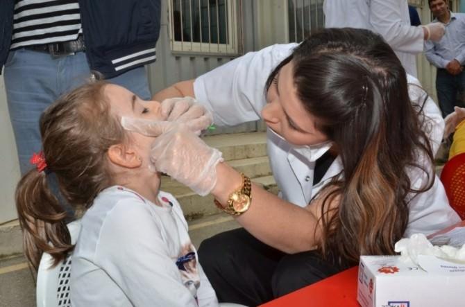 Erzincan'da Çocuklara Diş Macunu Ve Diş Fırçası Dağıtıldı