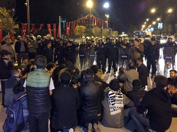 CHP'nin Seçim Tırı Meydandan Kaldırıldı