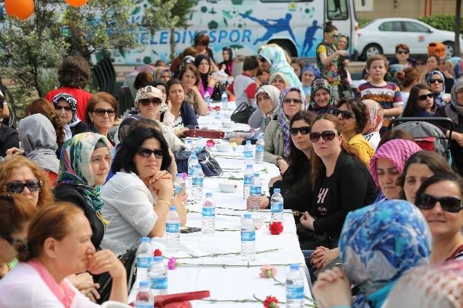Özgecan'dan 'Yaza Merhaba' Etkinliği