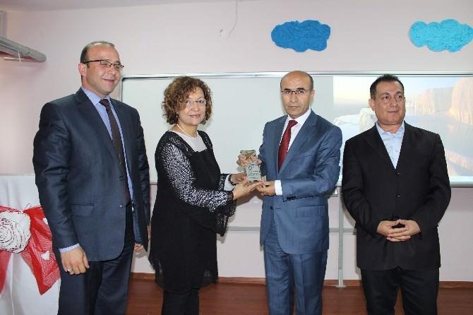 Help Yourself'den Vali Demirtaş'a 'Barış, Sermaye Ve Eğitim' Ödülü