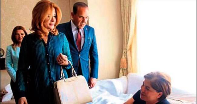 Demir: Elif Hanım'a gitmesi çok manidar