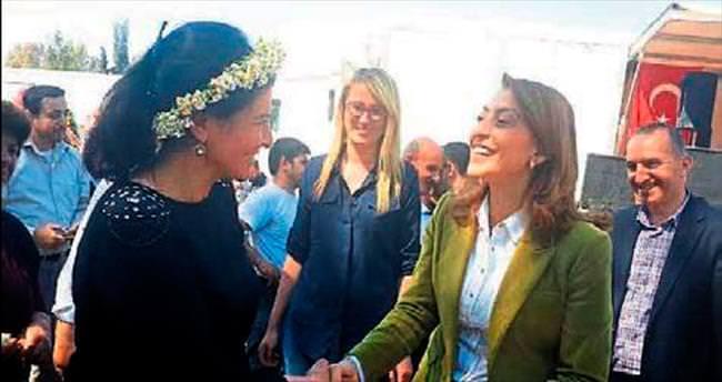 O demokrasiyi İzmir'de neden göremiyoruz!