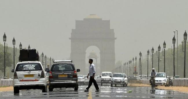 Hindistan'da aşırı sıcaklardan ölenlerin sayısı artıyor