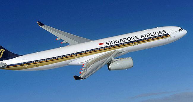 Singapur Havayolları uçağının 2 motoru da havada durdu