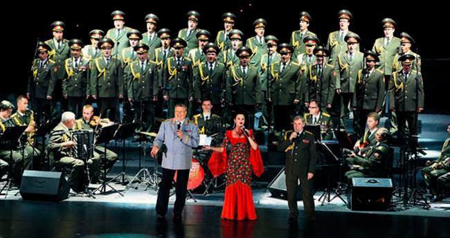 Kızıl Ordu'dan İstiklal Marşı