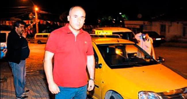 Taksiciye saldıran iki kişi yakalandı