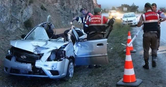 Bolu'da tır ile otomobil çarpıştı: 2 ölü, 4 yaralı