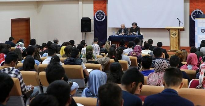 Ünlü Edebiyatçılardan ARÜ'de 'Tasavvuf Edebiyatı' Konferansı