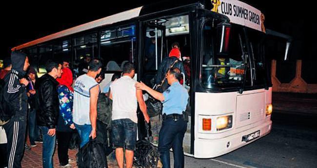 Tur teknesinden 154 mülteci çıktı