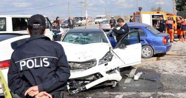 Afyonkarahisar'da otomobil devrildi