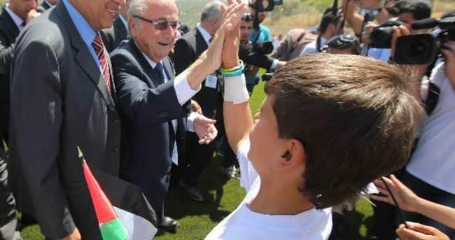 Filistinliler'den ''İsrail'e kırmızı kart''