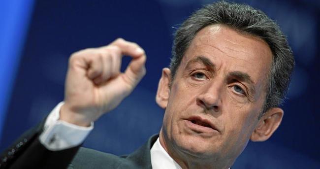 Sarkozy'nin partisinin adı değişti