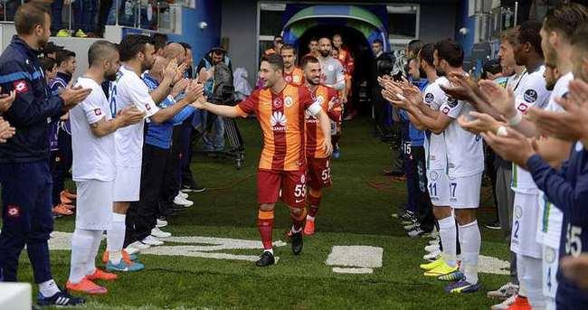Rizespor'dan Şampiyon Galatasaray'a alkış