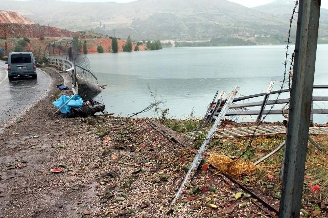 Karpuz Yüklü Kamyon Baraj Gölüne Uçtu: 1 Ölü