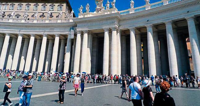 Kalabalık grupla Roma daha da zevkli
