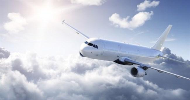 Yolcu uçağına yıldırım çarptı sefer iptal edildi!