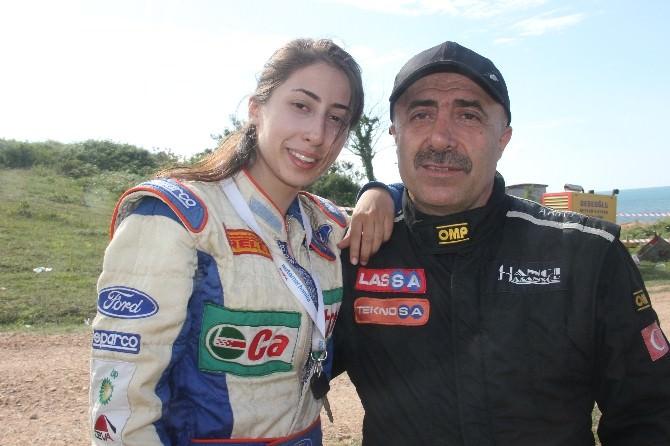 Off-road Şampiyonası'nda Yarışan TEK Kadın Pilot Destek Bekliyor
