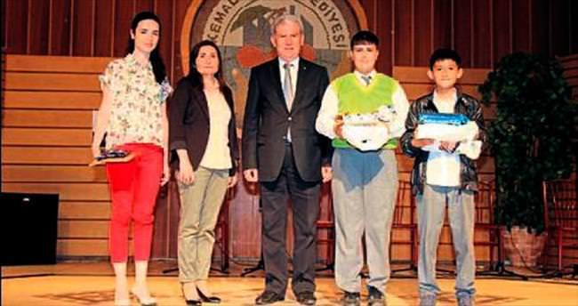 Genç mucitlerin ödülleri verildi