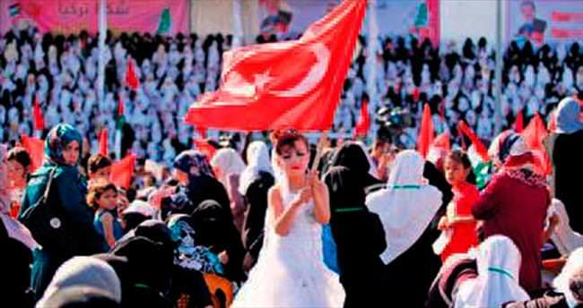 Türkiye 2 bin Gazzeli çifti evlendirdi