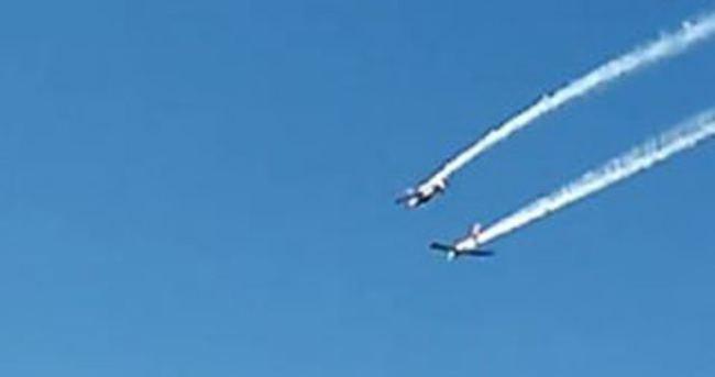 İtalya'da iki gösteri uçağı havada çarpıştı