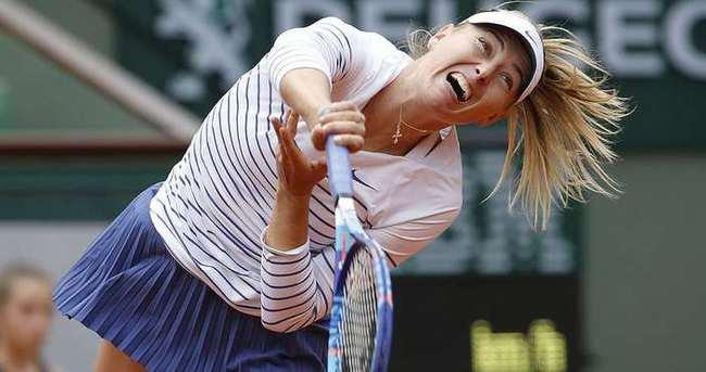 Roland Garros'ta Sharapova şoku!