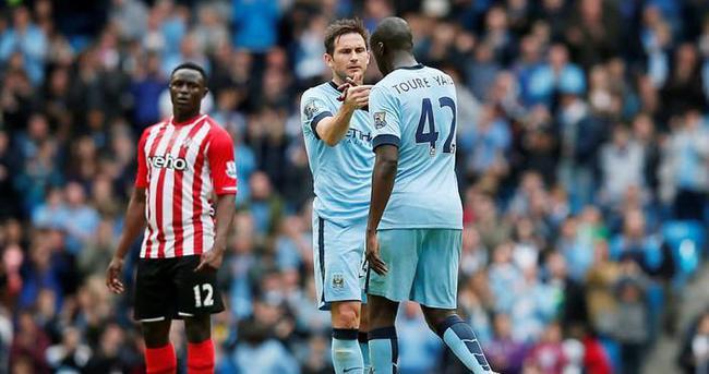Yaya Toure Manchester City'de kalacak
