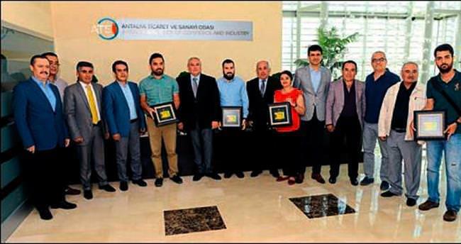 'Antalya ve Çiçek' fotoğraflarına ödül